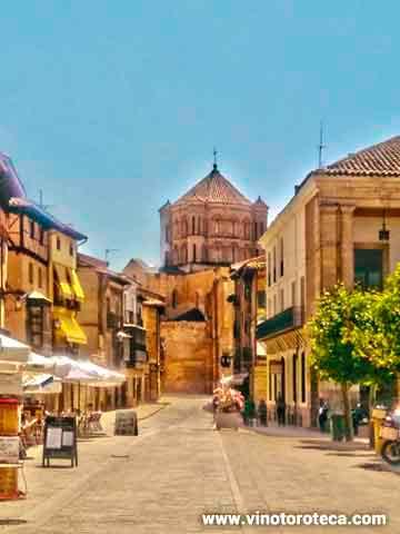 """""""Poesía dedicada a Toro. Colegiata. Plaza. Ayuntamiento. Turismo"""""""